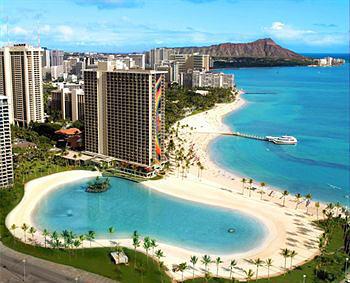 Hilton Hawaiian Village, exterior